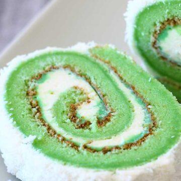 Pandan roll cake