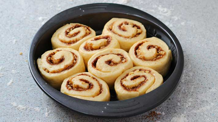 Cinnamon-Rolls_after-doubled-in-size