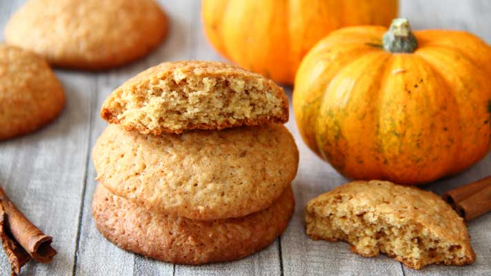 Pumpkin-Cookies_bitten-cookie