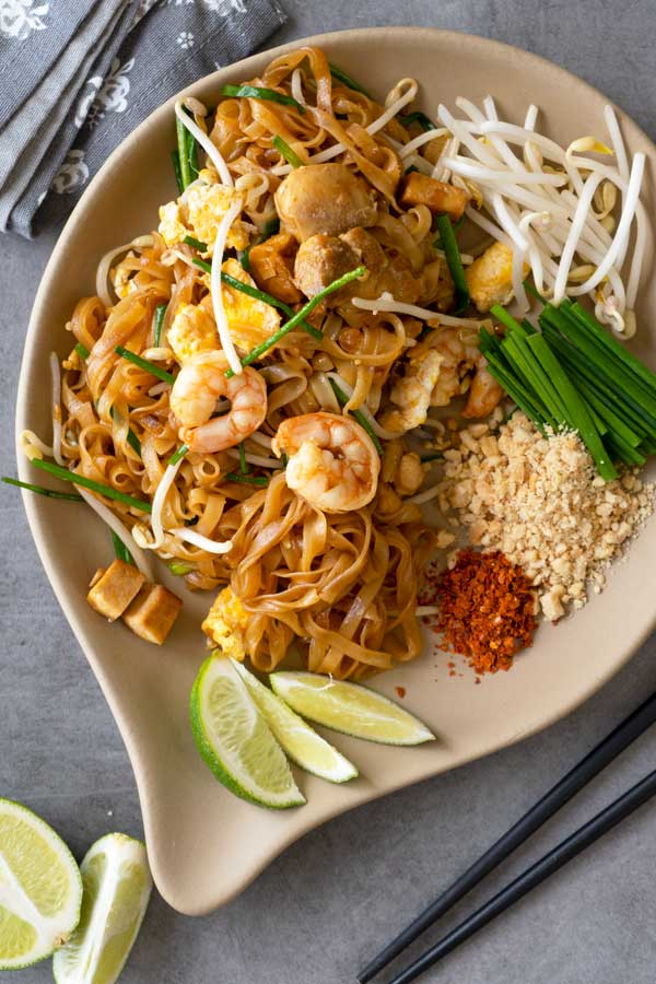 Easy Pad Thai Stir Fry Rice Noodles Recipe El Mundo Eats