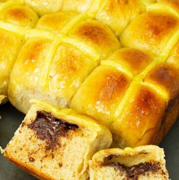Chocolate Stuffed Hot Cross Buns