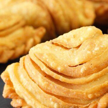 Spiral Curry Puffs