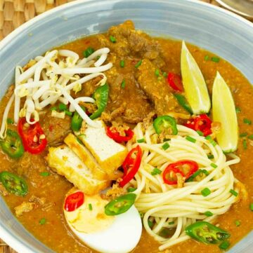 noodles in sweet potato curry soup mee rebus