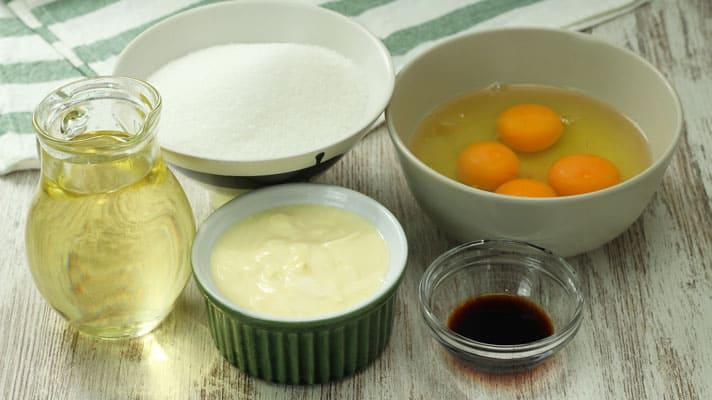 Caramel-Pineapple-Cake_Wet-Ingredients