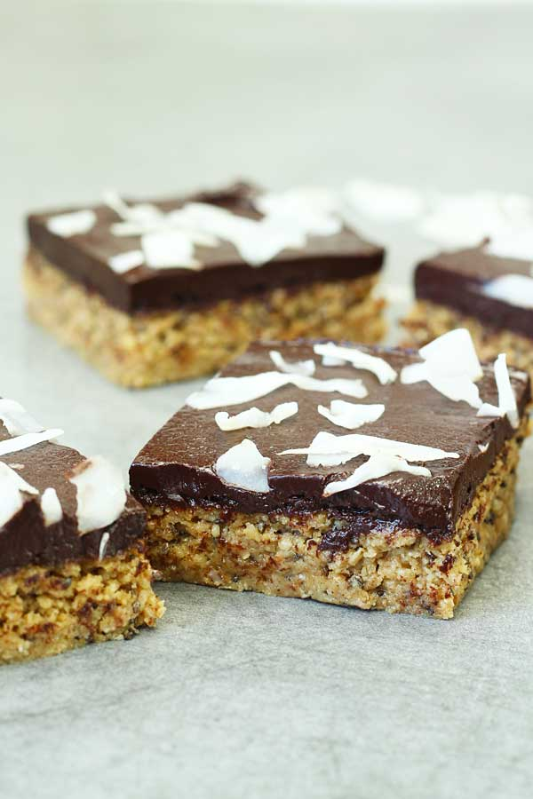 Healthy No Bake Chocolate Peanut Butter Bars