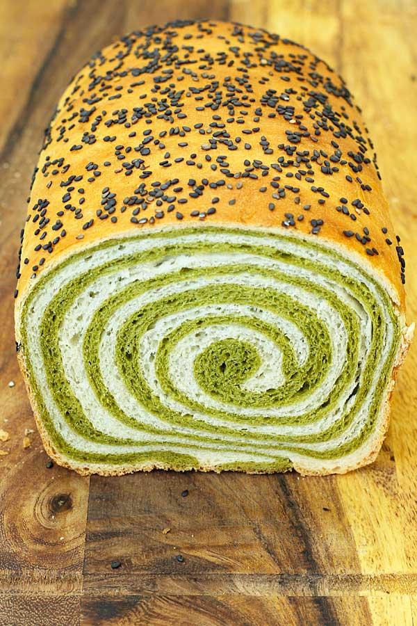 Matcha-Bread-Cut