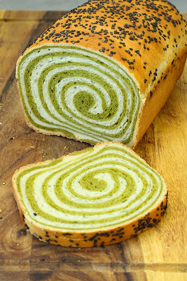 matcha bread slices