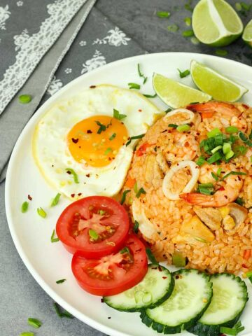 Nasi goreng USA, surf and turf fried rice