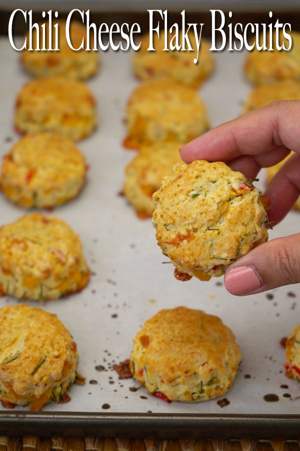 Unique and delicious chili and cheese flaky biscuits. These biscuits are so simple to make with only a handful of ingredients but the result is just wonderful. Serve them warm, ohh la la! Enjoy!