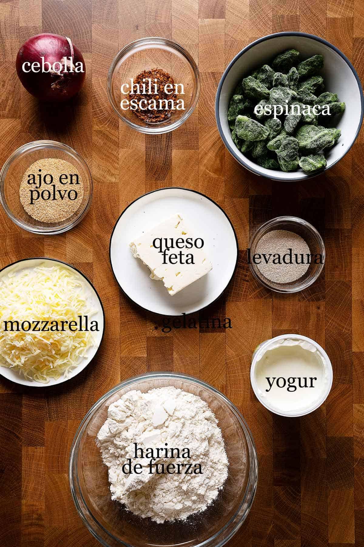ingredientes para hacer gozleme con espinaca y feta.