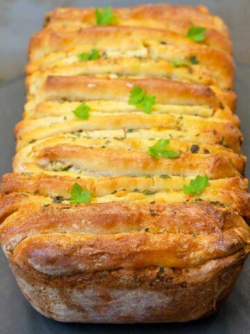 Garlic Cheese Herb Pull Apart Bread