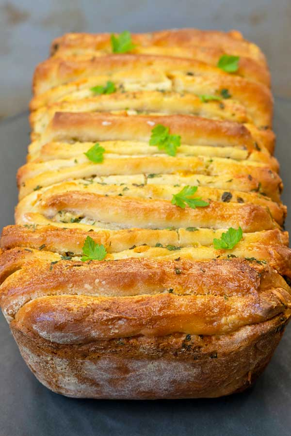Garlic Cheese Herb Pull Apart Bread