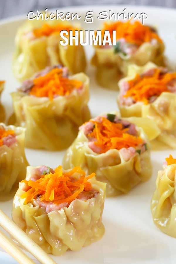 A healthier version of shumai. Homemade steam chicken and shrimp shumai with its dipping sauce. Now you can easily prepare them in your own kitchen, for your loved ones. #shumai #healthyrecipe #asianrecipe #easyrecipe #elmundoeats