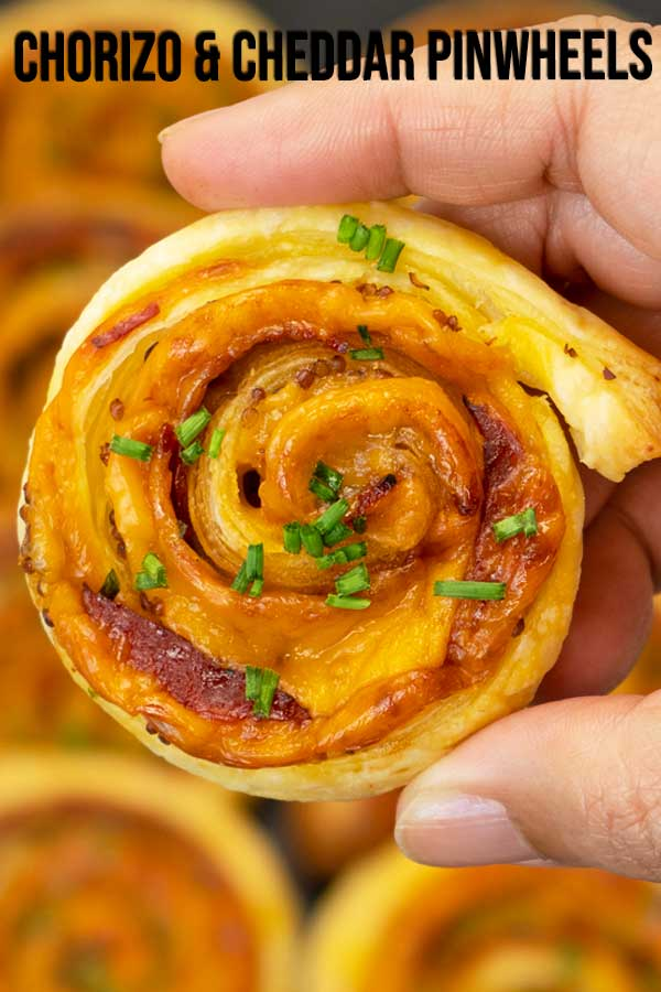 An appetizer idea that's super fast and easy to prepare if you're planning to host some parties or events. I'm using turkey chorizo and cheddar cheese for these delicious pinwheel. Just place them in a tray and let your guests help themselves. #appetizer #fingerfood #pinwheels #elmundoeats