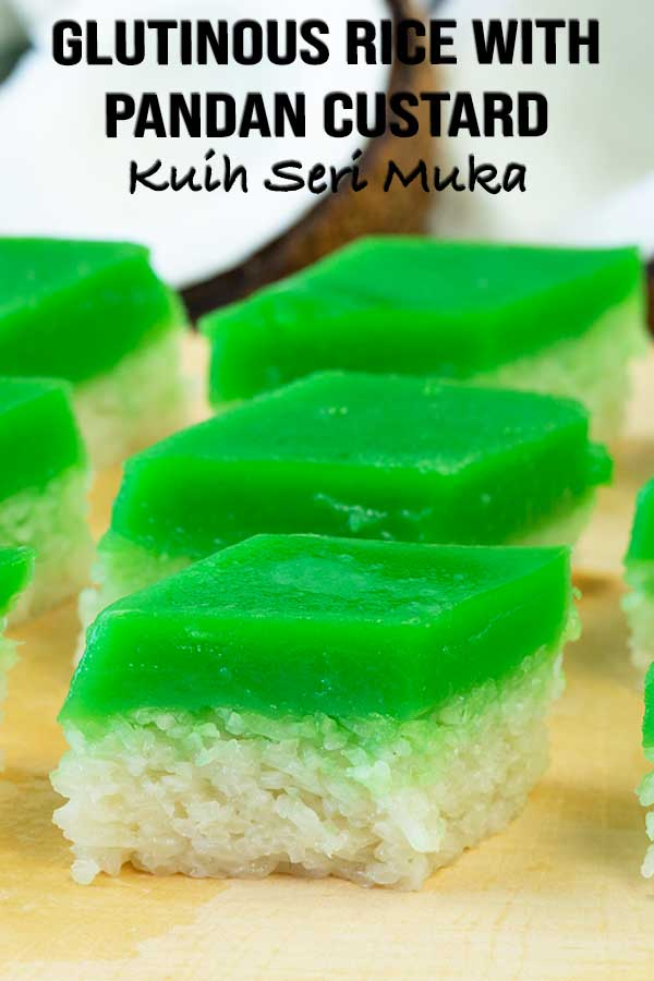 Steamed layer of coconuty glutinous rice with a layer of coconuty pandan custard. Yes we're going on full gear with the coconut milk on this one. Another bite of Malaysia on your plate. #malaysiandessert #asianrecipe #pandan #coconut #elmundoeats