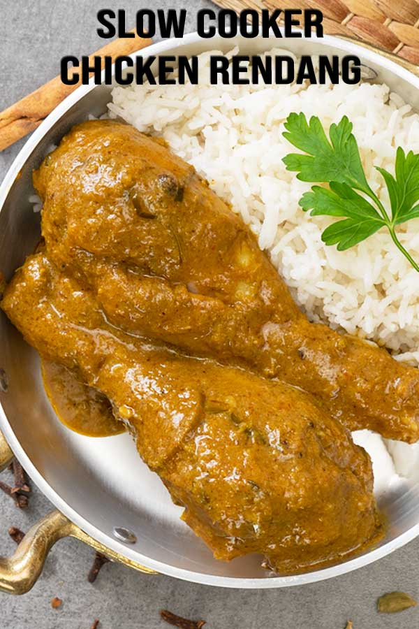The simplest way to make Malaysian chicken rendang curry, by using a slow cooker. The taste is equally amazing and delicious with such less effort. #curry #slowcooker #rendang #malaysianrecipe #crockpotrecipe #elmundoeats