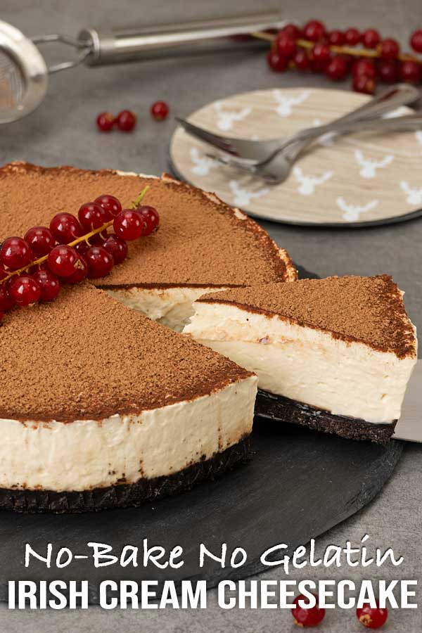 An easy recipe for a no-bake Irish cream cheesecake with delicate flavour and chocolate cookies as the base. The perfect dessert for your holiday table. #cheesecakerecipe #holidaydessert