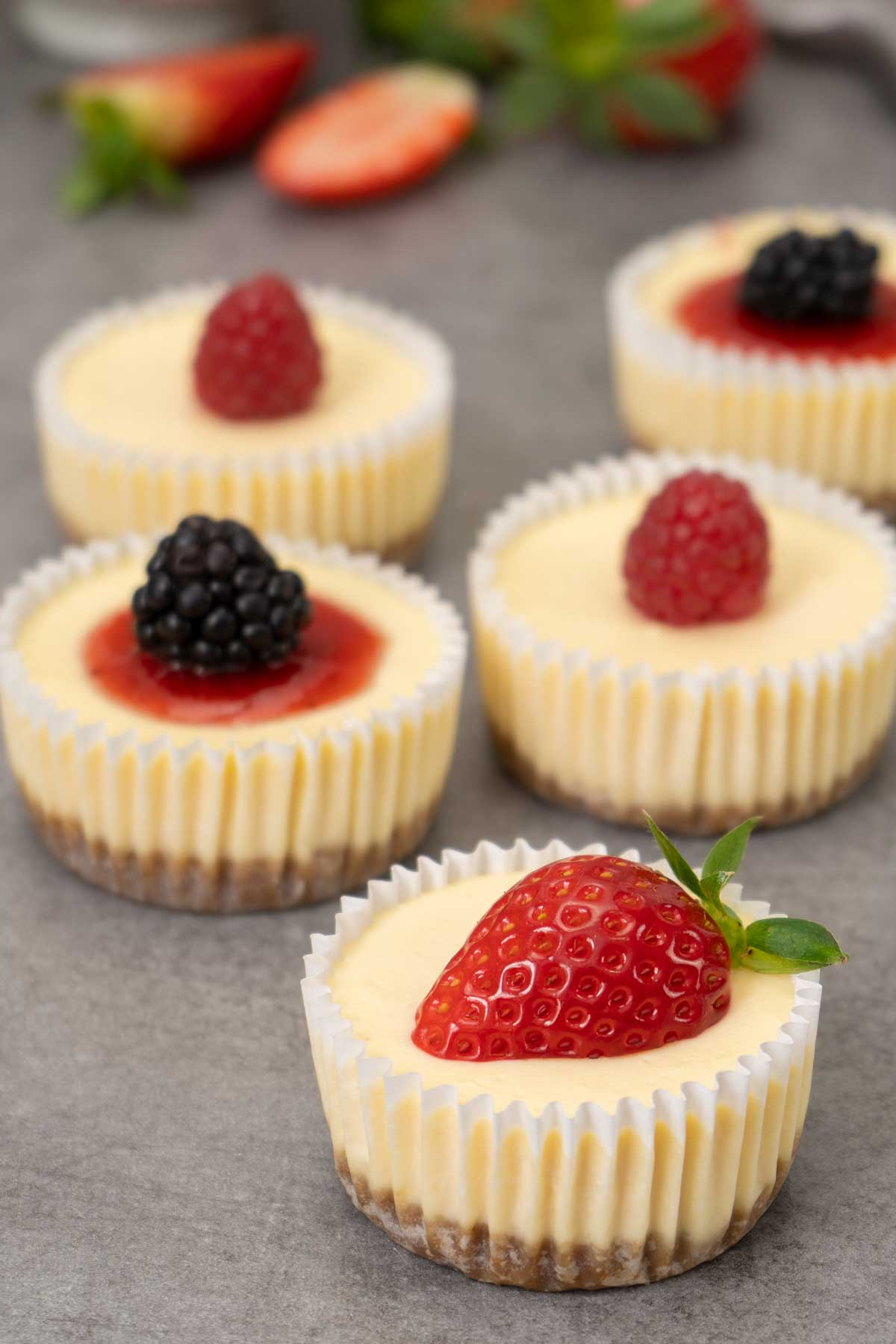 Easy mini cheesecakes on a table