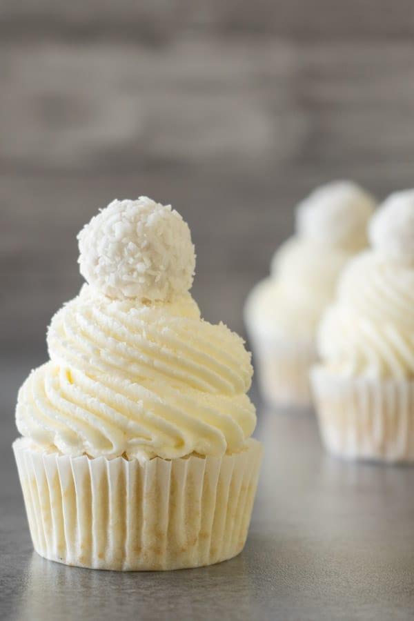 Raffaello coconut almond cupcakes