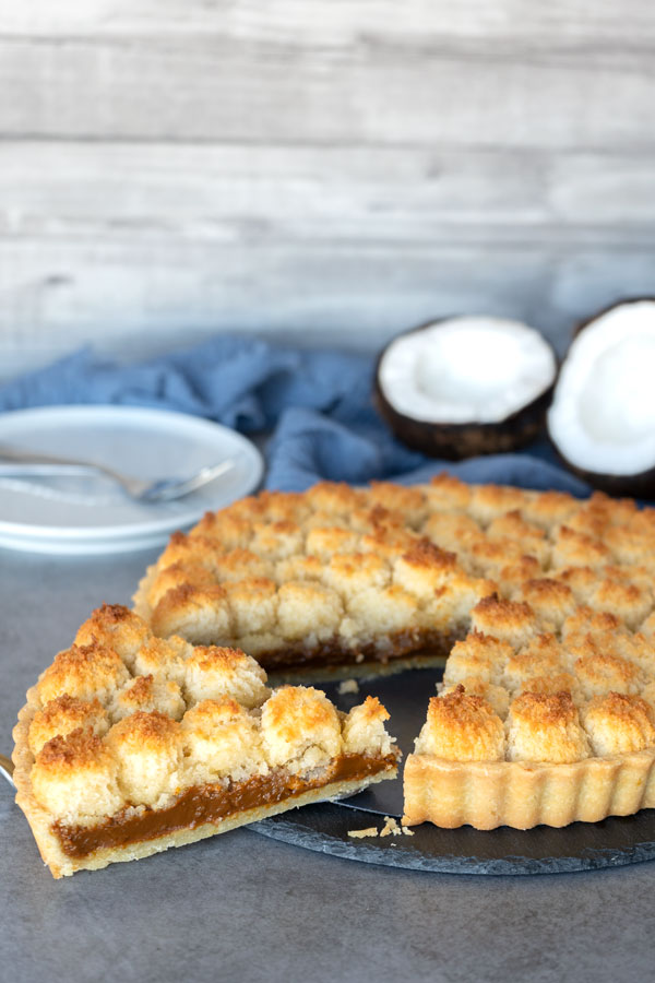 Coconut and dulce de leche tart