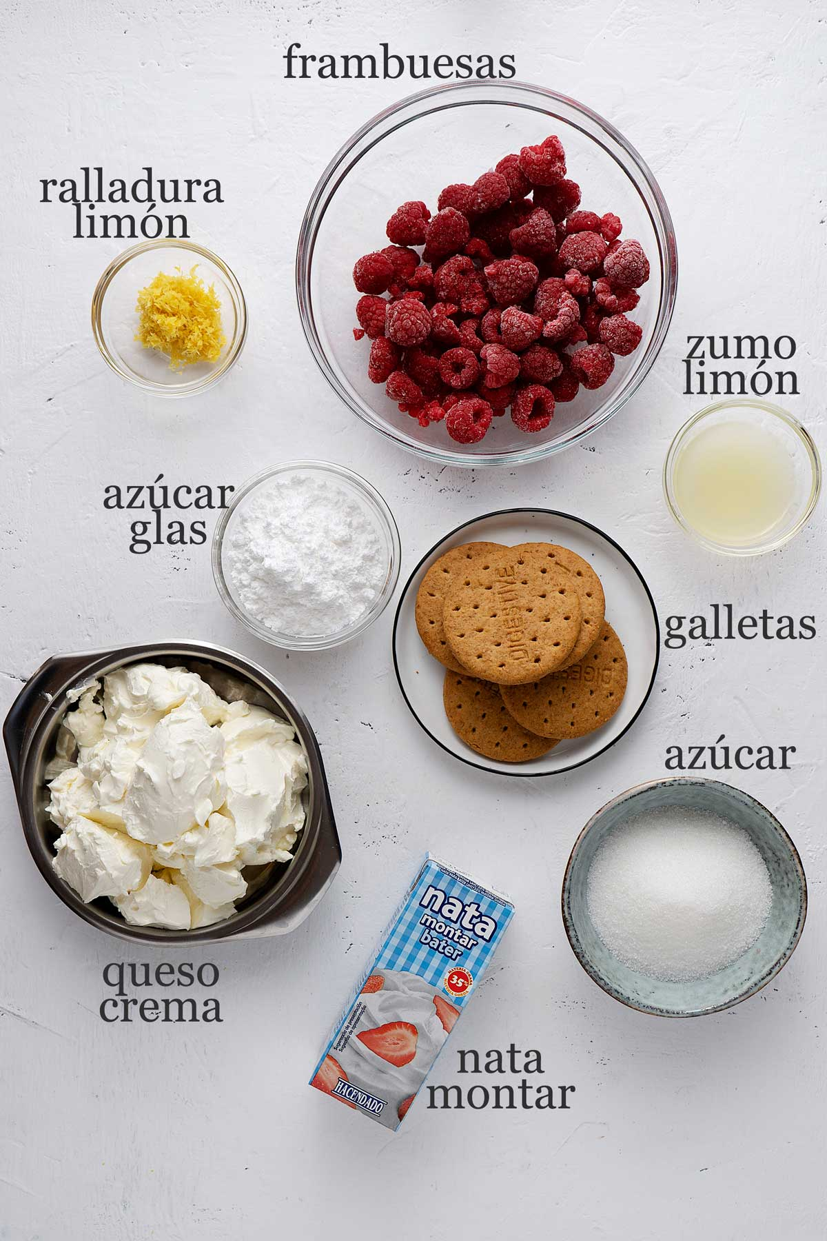 ingredientes para cheesecake de frambuesa en vasitos