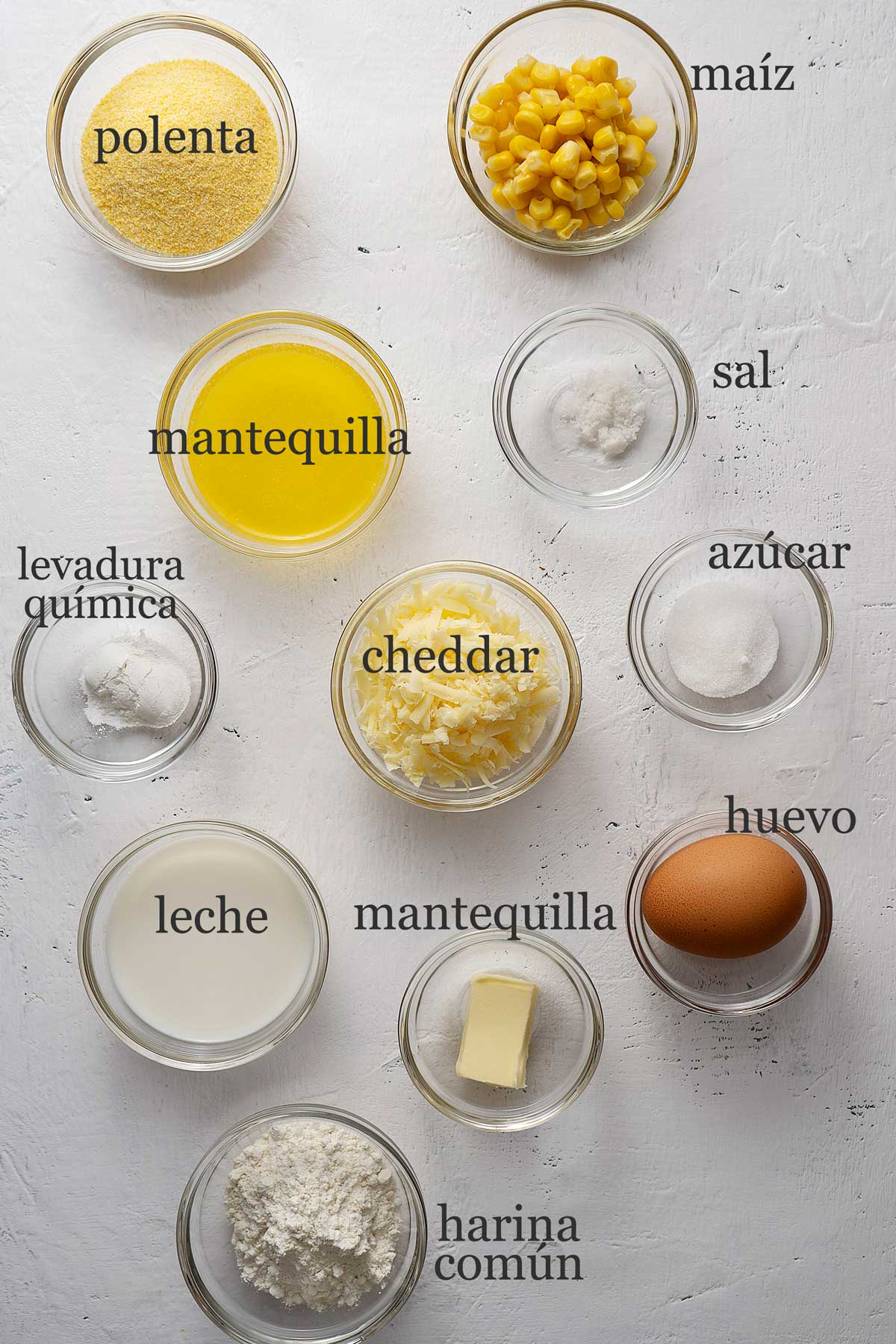 ingredientes para pan de maíz cornbread.