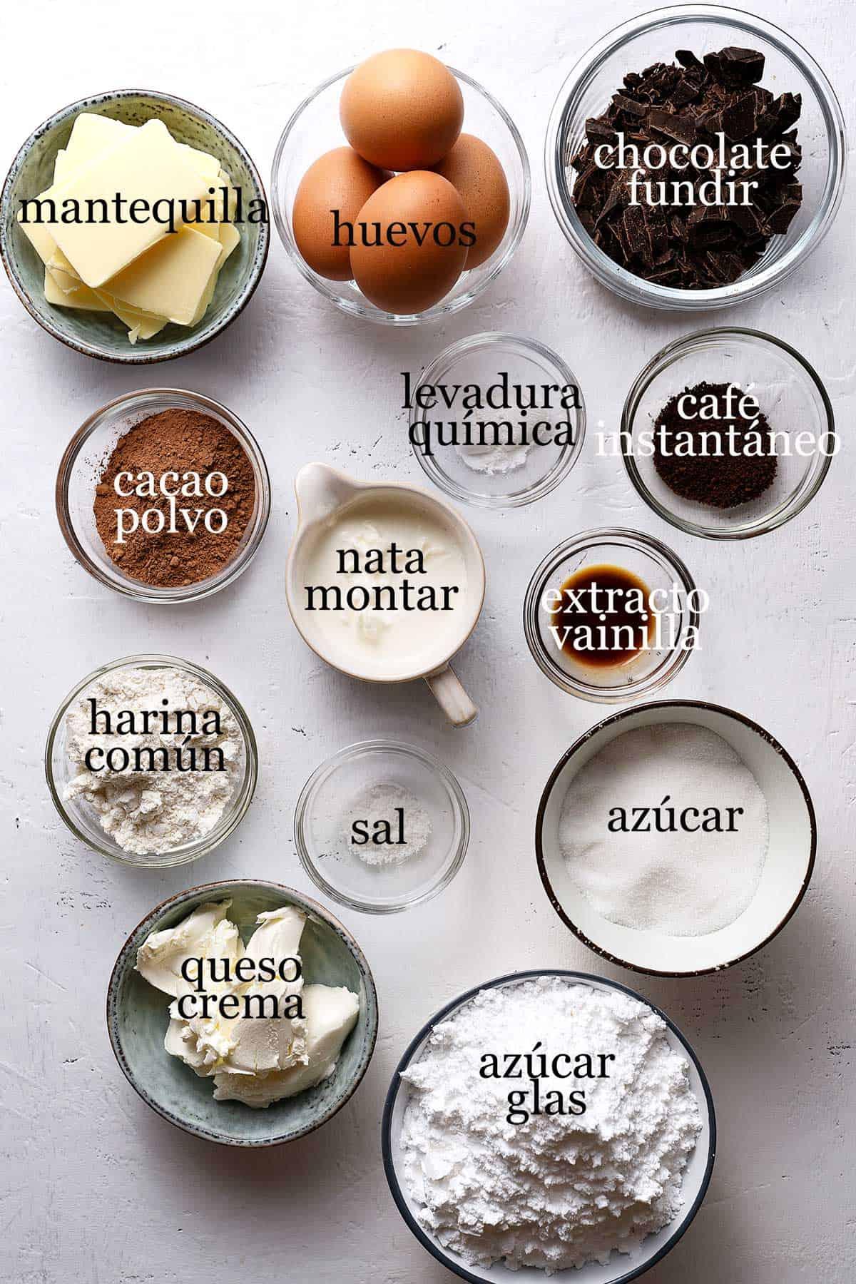 Ingredientes para mini troncos de navidad de moka.