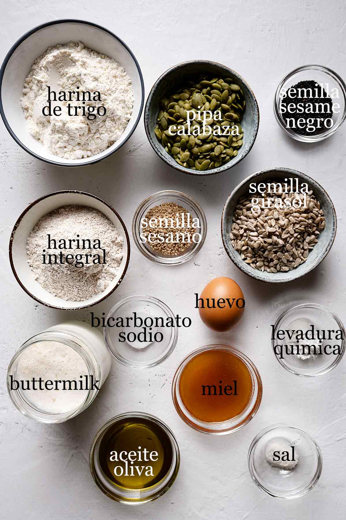ingredientes para pan de semillas.