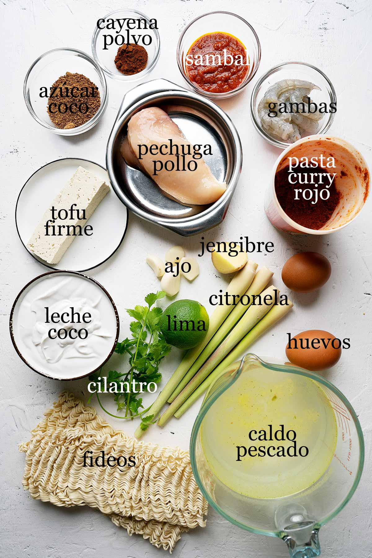 ingredientes para hacer curry rojo laksa malasio.
