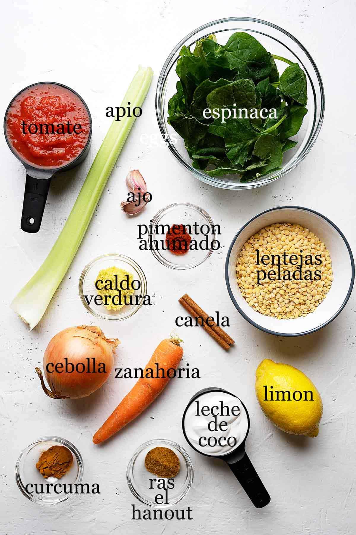 Ingredientes para curry de lentejas y coco.