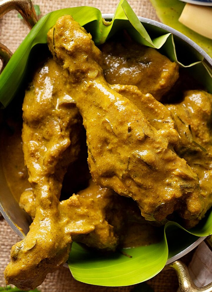 Slow cooker chicken rendang in a bowl