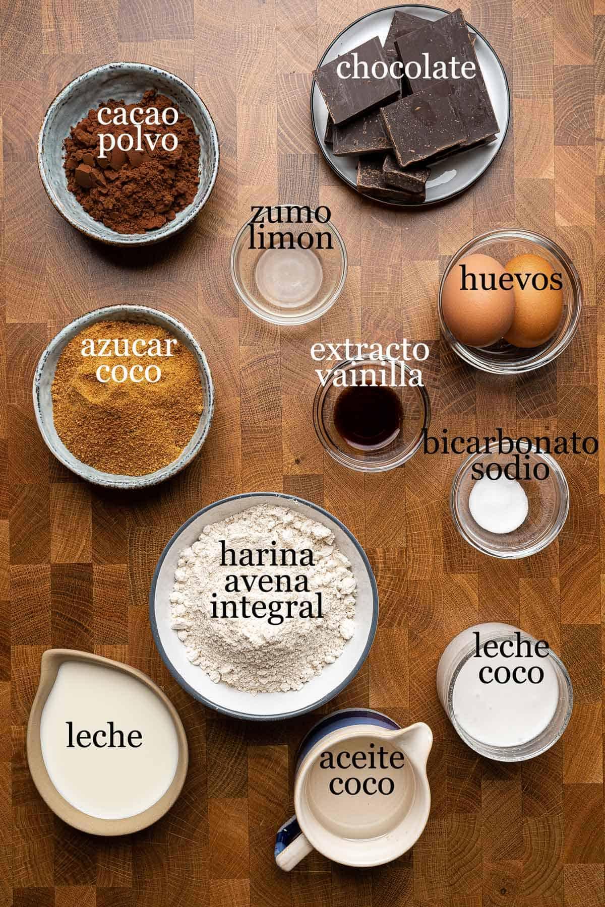 ingredientes para tarta sheetcake de chocolate saludable.