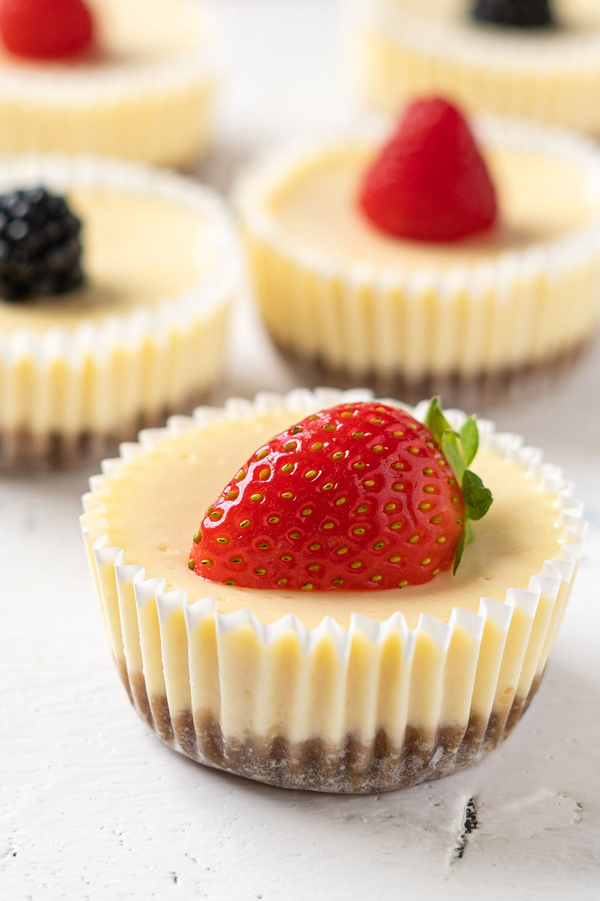 Easy mini cheesecakes view from front